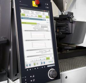 Die Steuerung der Spritzgießmaschine wird immer intelligenter. Mit Hilfe von Assistenzsystemen  reguliert sich der Spritzgießprozess kontinuierlich selbst.