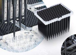 Die gefertigten Pipettenspitzen werden u.a. für DNA Analysen eingesetzt. (Bildquelle: Hamilton)