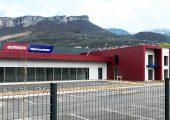 Ausstellungsraum und Büros am neuen Firmensitz in La Buisse (Bildquelle: Wittmann Battenfeld France)