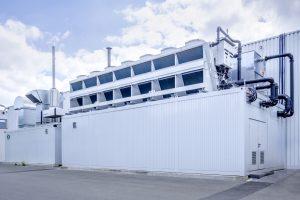 Platzsparende Lösung: Der Freikühler wurde auf dem Container installiert.
