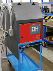 Dank des kompakten Heißkanalreglers konnte der Denkendorfer Werkzeugbauer wertvolle Arbeitszeit einsparen. (Bildquelle: Ralf Mayer, Redaktion Plastverarbeiter)