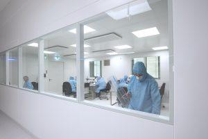 Blick in einen der Reinräume bei KH Medical. (Bildquelle: KH)