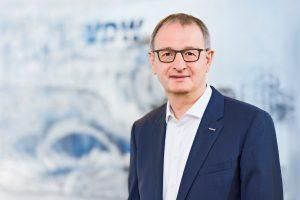 Vertritt etwa 120 Mitgliedsunternehmen aus der Werkzeugmaschinenindustrie: der Geschäftsführer des Vereins Deutscher Werkzeugmaschinenfabriken (VDW) Dr. Wilfried Schäfer (Bildquelle: Uwe Nölke)
