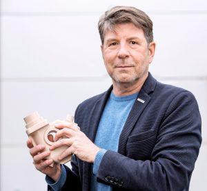 Peter Gärtner vom Bundesverband Modell- und Formenbau (BVMF) ist besonders von der Breite und Tiefe der ausstellenden Unternehmen überzeugt. (Bildquelle: Peter Gärtner)