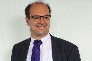 """Dr. Thomas Mücke, Strategic Business Consultant der Siemens Industry Software: """"Die Zusammenarbeit zwischen Anwendern, Verantwortlichen und Experten ist für die Medizintechnikbranche eminent."""" (Bildquelle: Siemens Industry Software)"""