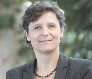 """Dr. Christine Neuy, Geschäftsführerin von Microtec Südwest e.V.: """"In unseren Fachgruppen arbeiten Experten eng zusammen, tauschen sich aus und entwickeln gemeinsam Projekte."""" (Bildquelle: Microtec Südwest)"""