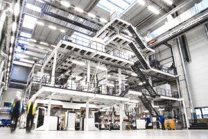 Extrusionsanlagen werden größer– auch bereits im Technikum- und Pilotmaßstab. (Bildquelle: W&H)