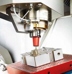 Werkzeug mit Düsenkörper  (Bildquelle: MHT)