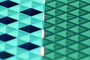 Der sequentielle Einsatz des UKP-Lasers zum Reinigen und Polieren des Bauteils nach der Strukturerzeugung reduziert die Nacharbeiten und sorgt für gezielte Poliereffekte. (Bildquelle:  Fraunhofer ILT / Volker Lannert)