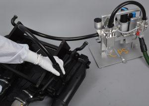 Aufnahme von partikulären Verunreinigungen von einem Kraftstofftank mit einer Runddüse. (Bildquelle: Clean Controlling)