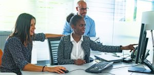 Diversität bedeutet Zukunftssicherheit, Flexibilität bei gesellschaftlichen Veränderungen und Attraktivität als Arbeitgeber für Beschäftigte. (Bildquelle: Faurecia)