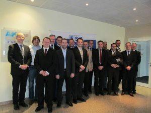 Die Mitglieder der Fachgruppe Dämmstoffe feiern am 21. Mai 2019 bei NMC in Eynatten, Belgien ihr 25-jähriges Bestehen. (Bildquelle: FSK)