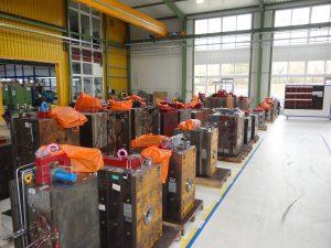 Die 1.200 aktiven Werkzeuge werden an verschiedenen Stellen im Werk Ergersheim gelagert. (Bildquelle: Simone Fischer/Redaktion Plastverarbeiter)