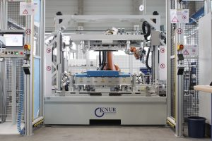 Eine von Knur gefertigte automatisierte Klebeanlage. (Bildquelle: Knur)