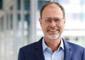 Thorsten Kühmann, Geschäftsführer des VDMA Fachverband Kunststoff- und Gummimaschinen, ist überzeugt, dass mit geschlossenen Kreisläufen das Müllproblem gelöst werden kann. (Bildquelle: VDMA)