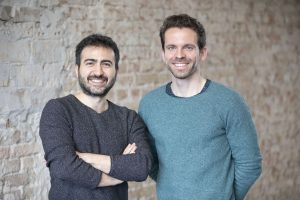 Volkan Bilici und Christian Schiller (rechts) haben sich mit Cirplus zum Ziel gesetzt, die Unmengen an Kunststoffmüll zu reduzieren. (Bildquelle: Cirplus)