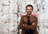 Christian Schiller, Geschäftsführer des Start-up Cirplus, will den Handel mit Recyclat digitalisieren und damit einen Beitrag im Kampf gegen den Kunststoffabfall leisten. (Bildquelle: Bertold Fabricius)