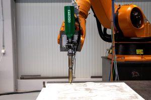 Der Industrie-Extruder ist ein Zusatzwerkzeug, der eine hohe Durchsatzleistung, wenig Zeitaufwand und die Verarbeitung aller gängigen Kunststoffarten verspricht. (Bildquelle: Dohle/Herz)
