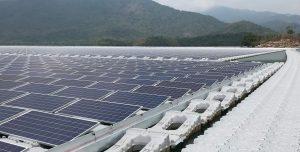 Verbesserte Beständigkeit sorgt für eine längere Lebensdauer und reduziert die Umweltbelastung durch die schwimmenden Solaranlagen. (Bildquelle: BASF)