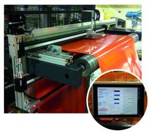 Das System arbeitet mit einem Industrierechner mit Touchscreen-Monitor, der an einem schwenkbaren Tragarmsystem befestigt ist. (Bildquelle: Colorlite)(Bildquelle: Colorlite)