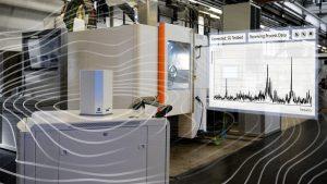 Ein Sensor überträgt die Schwingungsspektren der Blisks via 5G mit Latenzen von bis zu einer Millisekunde an eine Software. (Bildquelle: Fraunhofer IPT)