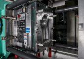 Werkzeug mit servoelektrisch angetriebenem Heißkanal für die Umsetzung der neuen Regelstrategie. (Bildquelle: IKV)