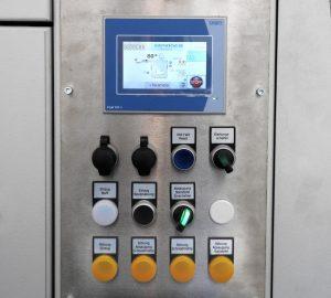 Farbiges Touchscreen und jede Menge Sensoren: Ausschnitt aus dem Bedienfeld einer großen Zentralmühle mit integrierter Zu- und Abführtechnik. (Bildquelle: Getecha)