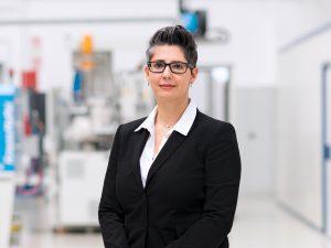 Nadine Despineux, Präsidentin des Segments DSS, schafft  digitale Weltneuheiten im Kunstoffbereich. (Bildquelle: Krauss Maffei)