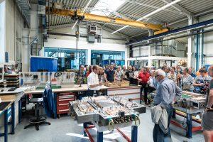 Am Tag der offenen Tür blickten rund 3.000 Besucher hinter die Kulissen des Werkzeugbauunternehmens. (Bildquelle: Haidlmair)