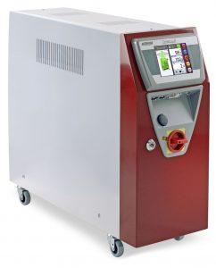 Das neue Temperiergerät kann vollständig in die 4.0-Steuerung der Spritzgießmaschinen integriert werden. (Bildquelle: Wittmann)