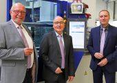 Klaus Ehlig übergibt am 1. Januar 2020 die Geschäfte an Andreas Schramm und Michael Tolz. (Bildquelle: Wittmann Battenfeld)