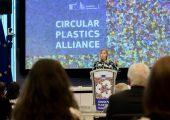 Am 20. September 2019 haben Unternehmen und Verbände der Kunststoffindustrie die Deklaration der CPA unterzeichnet. (Bildquelle: EU-Kommission)