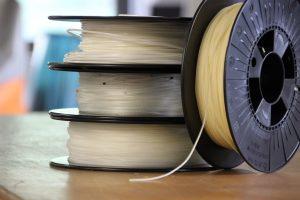 Aus entwickelten Werkstoffen werden Filamente für den 3D-Druck. (Bildquelle: Fraunhofer Umsicht)
