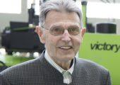 Dr. mont. h.c. Alfred Lampl blieb dem Unternehmen Engel auch in der Pension eng verbunden. Jetzt ist der Spritzgießtechnik-Pionier in seinem 89. Lebensjahr verstorben. (Bildquelle: Engel)