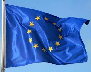Die EU Kommision stimmte für die Einstfung von Titandioxid als möglicher krebserregend. Die Entscheidung hat weitreichende Folgen. (Bildquelle: Yvonne Bogdanski – stock. adobe.com)