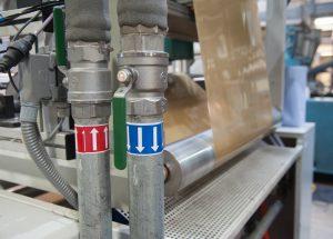 Beim Extrudieren und Tiefziehen von thermoverformbaren Kunststoffen ist eine ausreichende Kühlung entscheidend für die Qualität. (Bildquelle: alle Martin Witzsch)