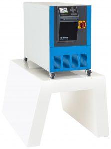 Die Temperiergeräte Thermo-5 der Baugrösse 4 sind trotz hoher Leistungsdaten nur 650 mm hoch. (Bildquelle: HB-Therm)
