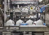 In Großbritannien setzt Alpla jährlich 13.000 t rHDPE für die Herstellung von Milch- und Saftflaschen ein.  (Bildquelle: Alpla)