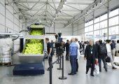 Im Circonomic Centre konnten die Messebesucher Kunststoffrecycling täglich live erleben.  (Bildquelle: Messe Düsseldorf/ctillmann)