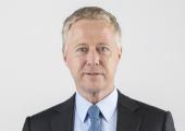 Mit Wirkung zum 2. Januar 2020 tritt Patrick Popp die Nachfolge von Jean-Michel Renaudie als Executive Vice President Interiors bei Faurecia an. (Bidlquelle: Faurecia)