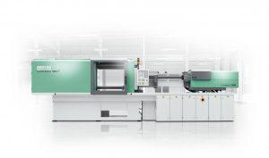 Auf der Interplastica ist der hybride Allrounder 570 H mit einer IML-Anwendung zu sehen. (Bildquelle: Arburg)