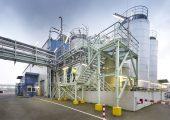 Das Clariant-Werk Knapsack in Hürth betreibt die Produktion seiner halogenfreien Exolit Flammschutzmittel ausschließlich mit Strom aus erneuerbaren Rohstoffen. (Foto: Clariant)