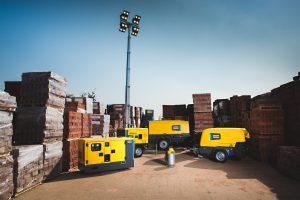 Atlas Copco setzte 2019 mit Kompressoren, Vakuumtechnik, Montagelösungen und Ausrüstungen für die Energietechnik rund 10 Mrd. Euro um - mehr als je zuvor. Im Bild ein Ausriss aus dem Produktportfolio der Energietechnik, mit Lichtmasten, fahrbaren Kompressoren, Stromerzeugern und Pumpen. (Bild: Atlas Copco)