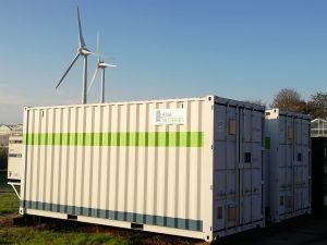 JenaBatteries und BASF kooperieren bei der Herstellung eines Elektrolyten für eine Batterietechnologie. JenaBatteries. Eine solche Batterie findet in einem Container Platz. (Bildquelle: BASF)