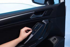 Fensterheber können künftig kapazititv betätigt werden. (Bildquelle: KH Foliotec)