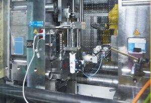 Sensorik am Werkzeug der Vorrichtung des Pipettiersystems (Bildquelle: Kistler)