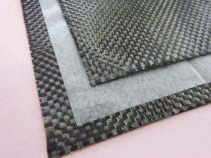 Die hochleistungsfähigen Vliese Kuraflex und Vecrus von Kuraray erhalten im Schmelzblasverfahren eine äußerst feine Faserstruktur und sind als Ausführung in verschiedenen Kunststoffen erhältlich. (Bildquelle: Kuraray)