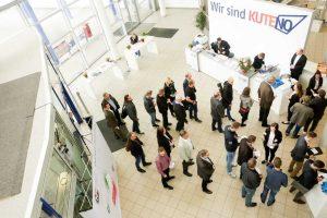 Neustart nach den Sommerferien: Die KUTENO wird auf 01.-03. September 2020 verschoben.  (Bildquelle: HAnser Verlag)