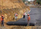 Es wird erwartet, dass die weltweite Nachfrage nach Geotextilien ansteigen wird. Die Weltbank hat sogar den Einsatz von  Geotextilien bei allen von ihr finanzierten Infrastrukturprojekten verbindlich vorgeschrieben. (Bildquelle: BASF)