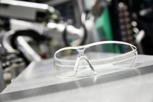Uvex-Schutzbrillen (Bildquelle: Arburg)